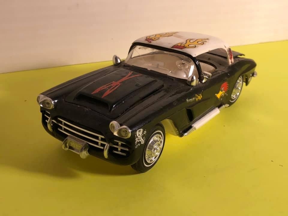 Vintage built automobile model kit survivor - Hot rod et Custom car maquettes montées anciennes - Page 12 57032210