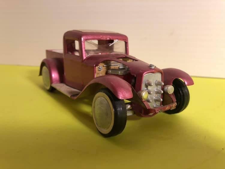 Vintage built automobile model kit survivor - Hot rod et Custom car maquettes montées anciennes - Page 12 57044211