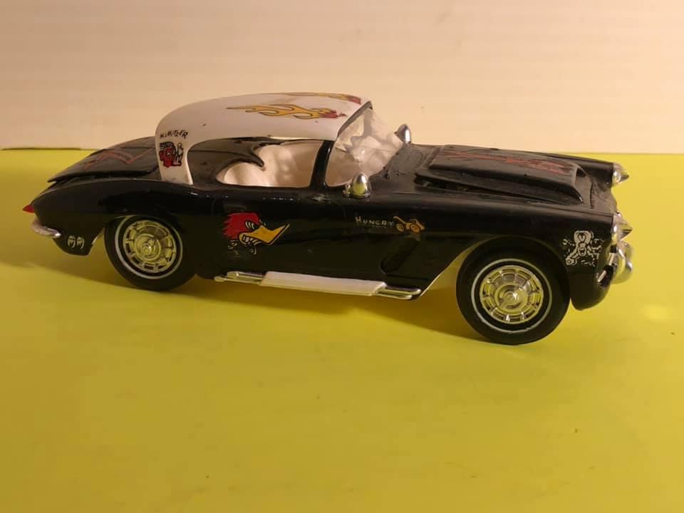 Vintage built automobile model kit survivor - Hot rod et Custom car maquettes montées anciennes - Page 12 57104110