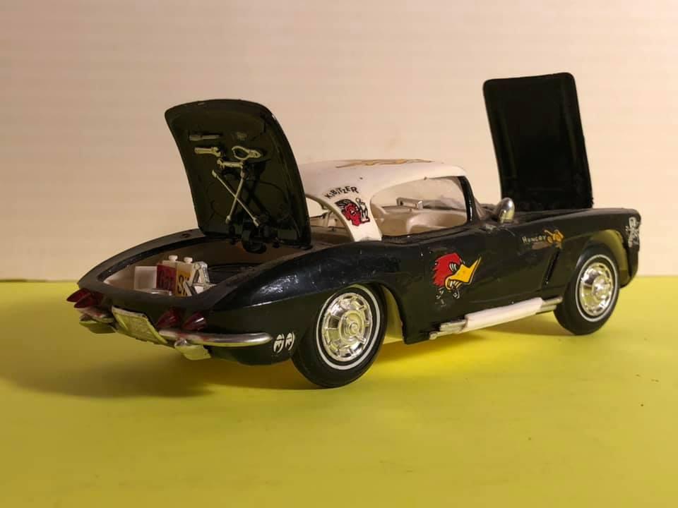 Vintage built automobile model kit survivor - Hot rod et Custom car maquettes montées anciennes - Page 12 57154210