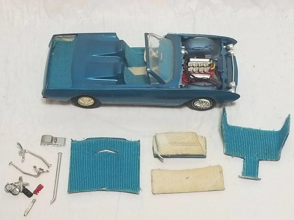 Vintage built automobile model kit survivor - Hot rod et Custom car maquettes montées anciennes - Page 12 57154810