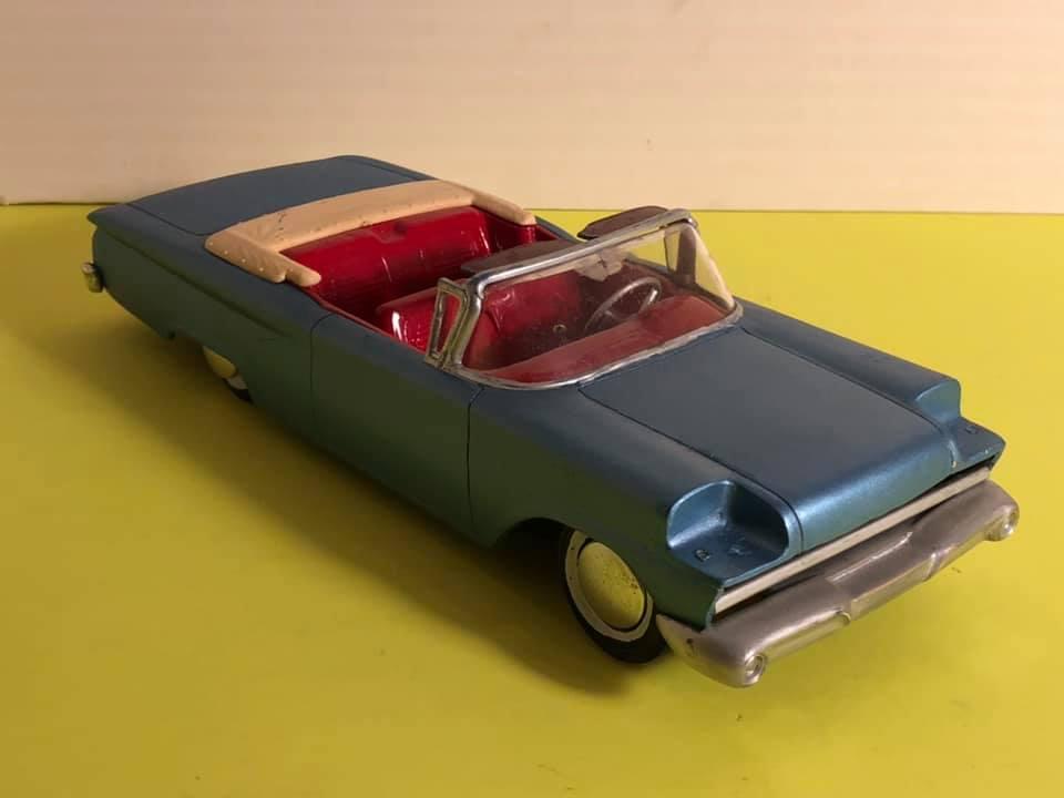 Vintage built automobile model kit survivor - Hot rod et Custom car maquettes montées anciennes - Page 12 57206010