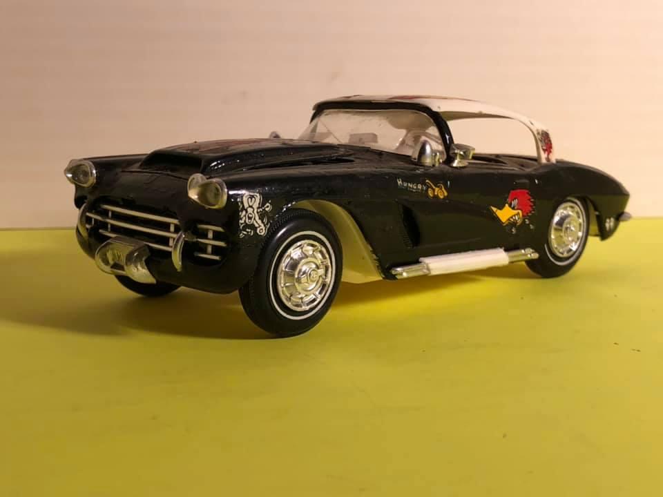Vintage built automobile model kit survivor - Hot rod et Custom car maquettes montées anciennes - Page 12 57253410