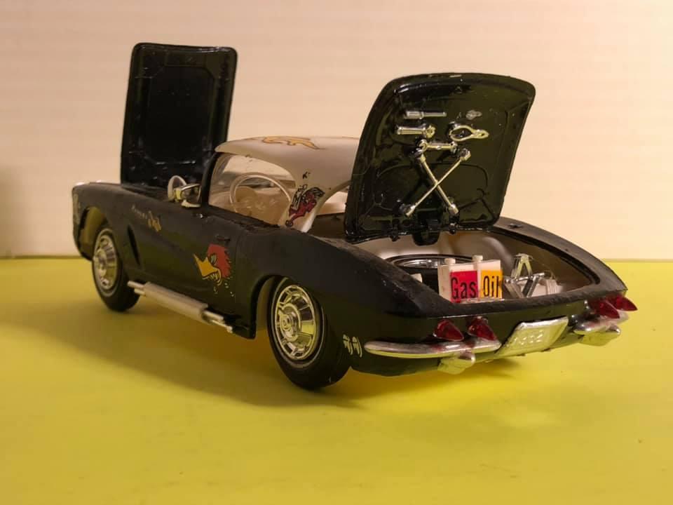 Vintage built automobile model kit survivor - Hot rod et Custom car maquettes montées anciennes - Page 12 57299310