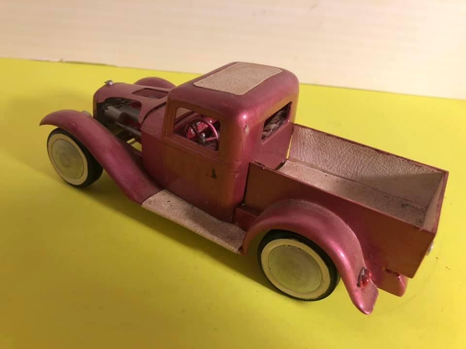 Vintage built automobile model kit survivor - Hot rod et Custom car maquettes montées anciennes - Page 12 57402210