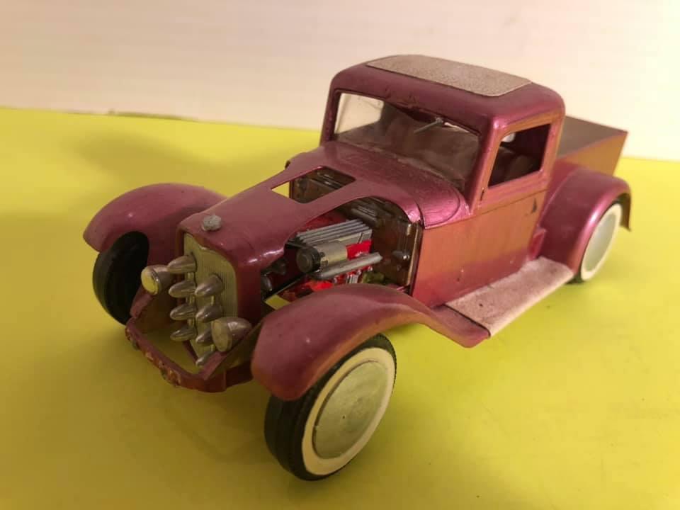 Vintage built automobile model kit survivor - Hot rod et Custom car maquettes montées anciennes - Page 12 57484610