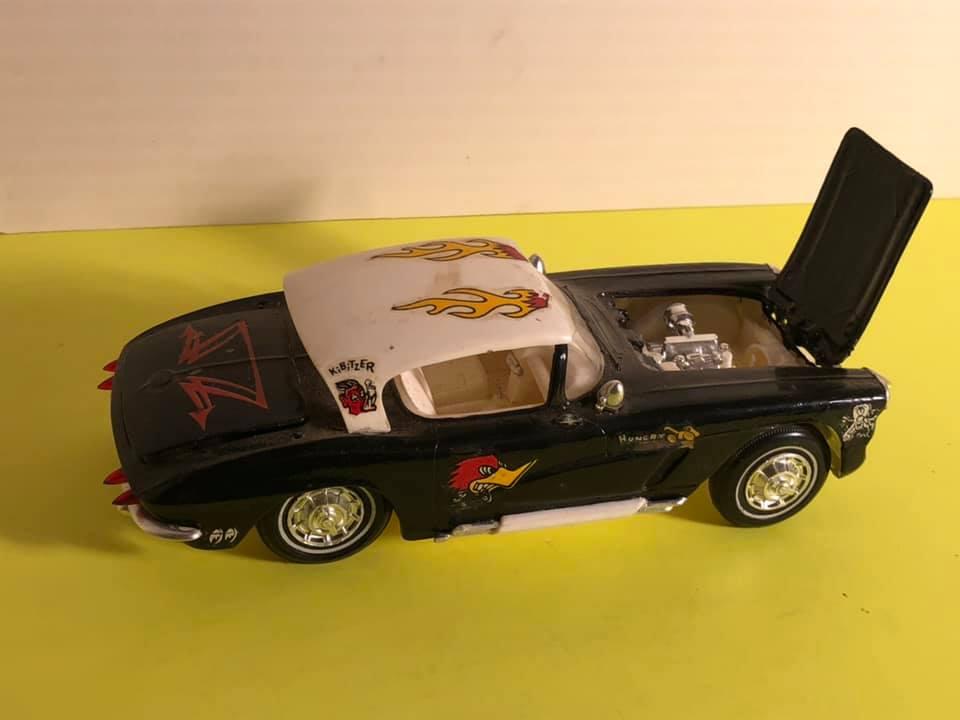 Vintage built automobile model kit survivor - Hot rod et Custom car maquettes montées anciennes - Page 12 57485210