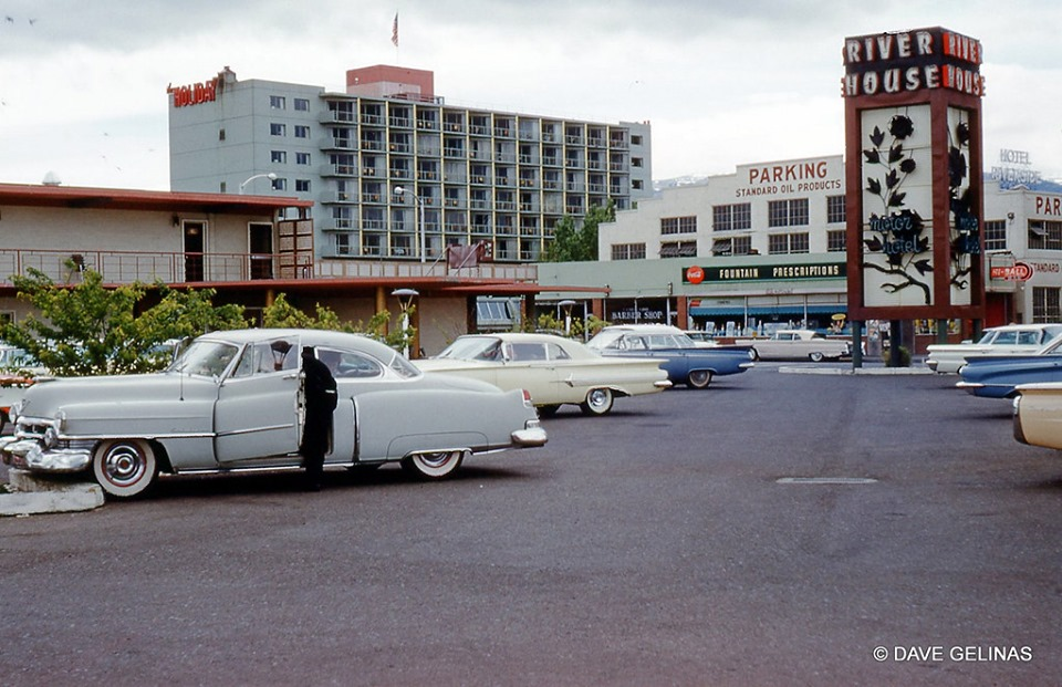 Rues fifties et sixties avec autos - 1950's & 1960's streets with cars - Page 5 59569710