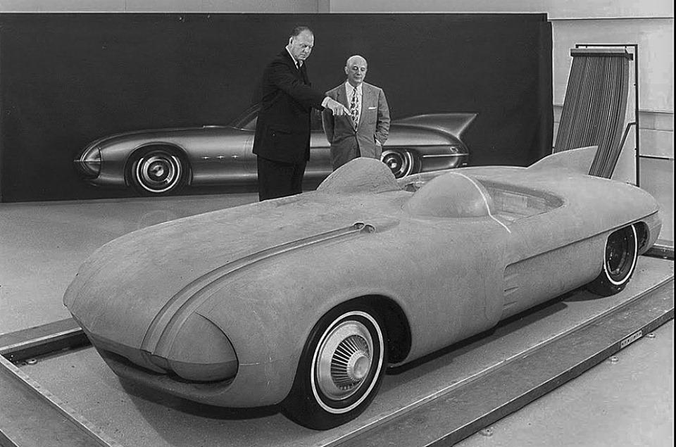Pontiac Club De Mer - 1956 60391910