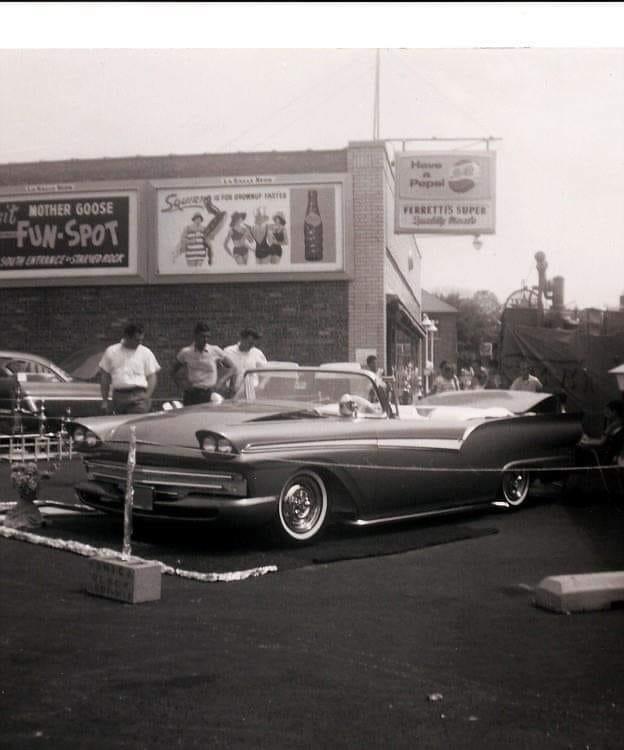 Vintage Car Show - Page 22 62234910