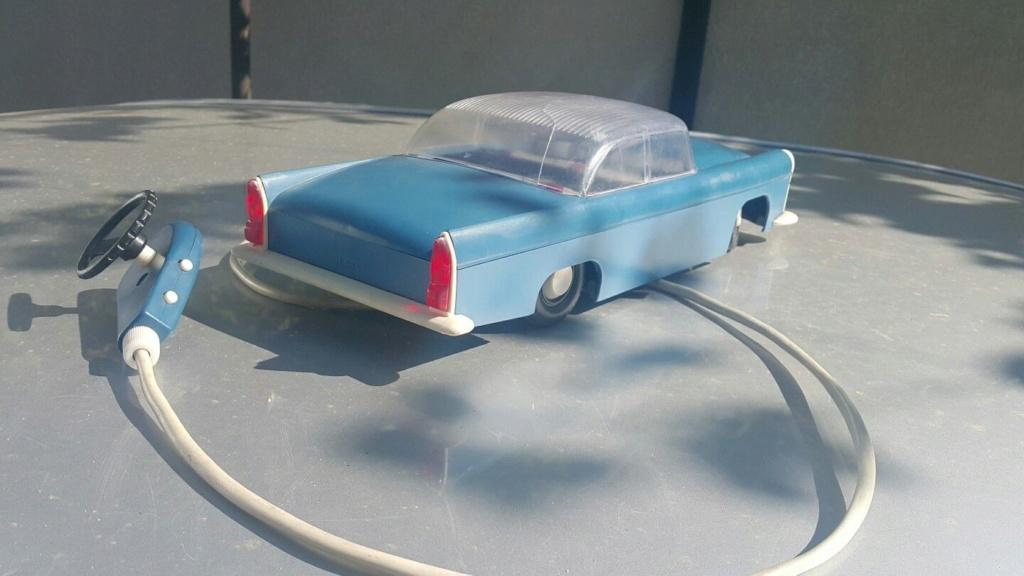 Vintage Cadillac VOLGA GAZ ZIM ZIL Jouet en plastique voiture années 1970 Remote contôlées URSS 623