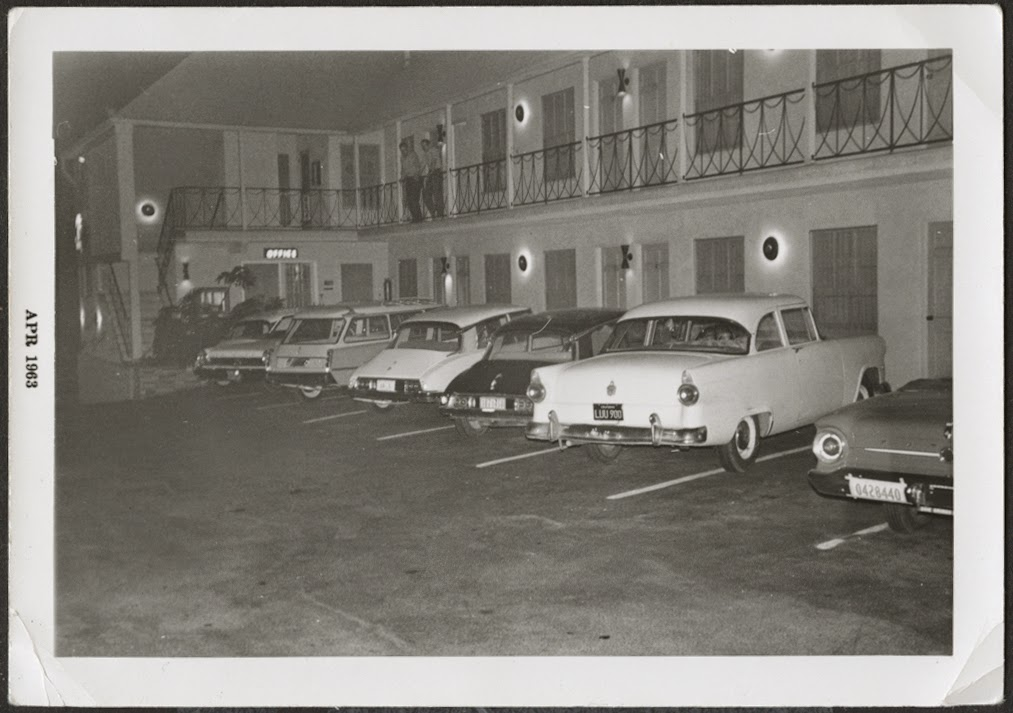 fifties & early sixties cars in situation - Vintage pics - Page 4 62_for10