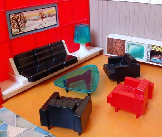 Debbie's Dream House - plastic mid-century mod showplace from Marx Toys - 1963 64760010