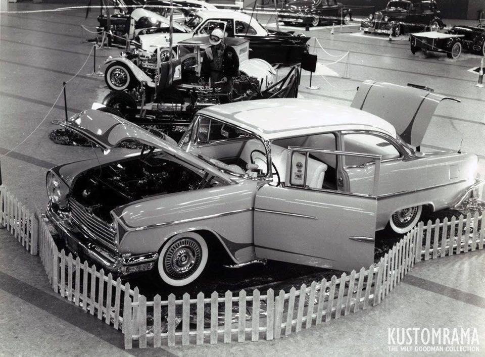 Vintage Car Show - Page 22 64903310