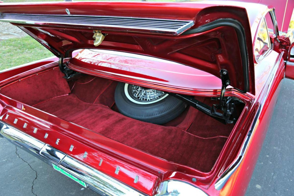 1963 Ford Thunderbird Italien Fastback Concept Car 66523919