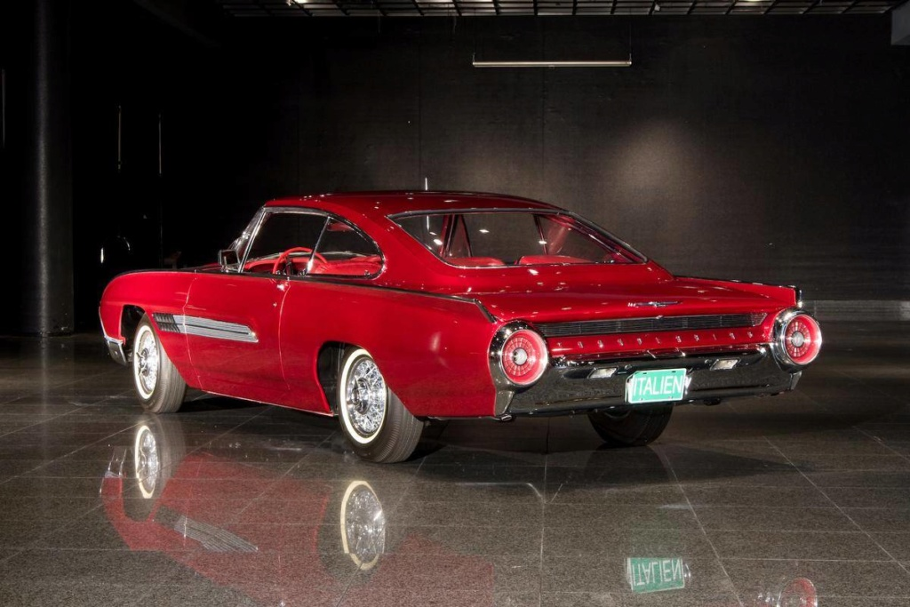 1963 Ford Thunderbird Italien Fastback Concept Car 66523932