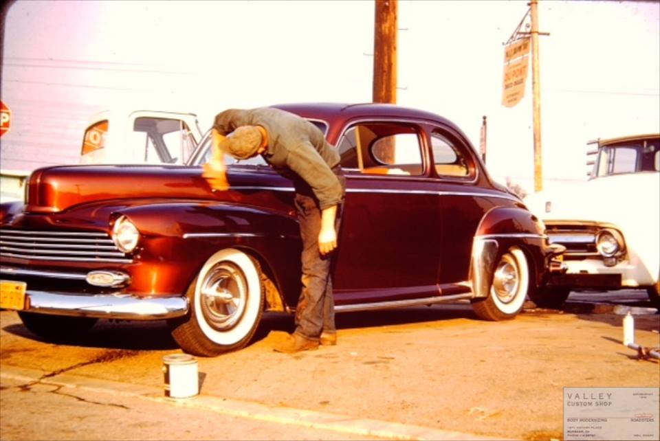 custom cars in the street - in situation ( vintage pics 1950's & 1960's)  - Page 6 67198610