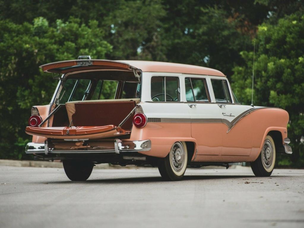 Ford: 1956 Eight Passenger Country Sedan 6910