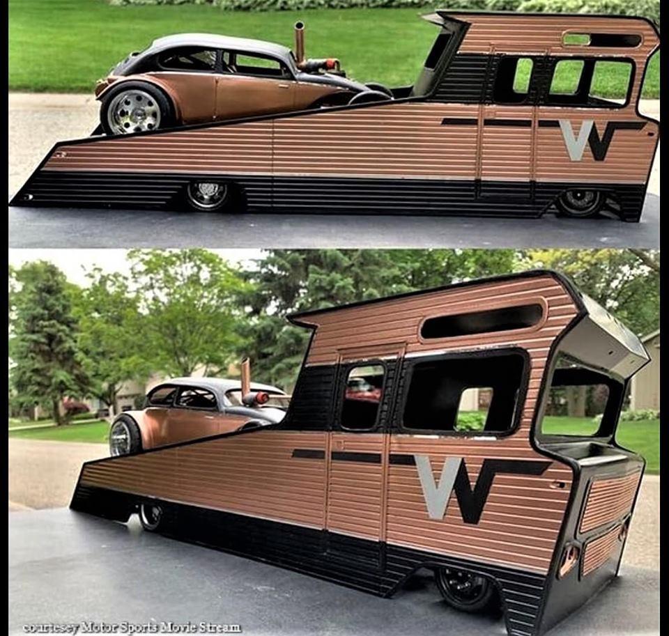 Transport de véhicules. 70252810