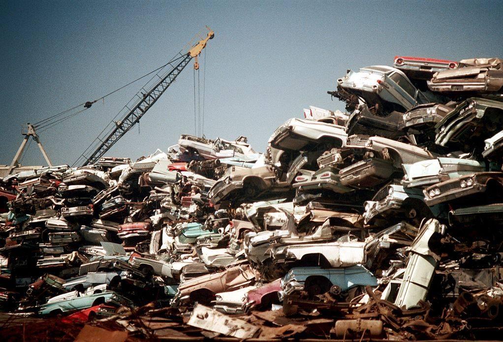 Los Angeles scrap yard 1972 - Cimetière de voitures (casse auto) à Los Angeles plein de voiture américaines 50s et début 60s 70355911