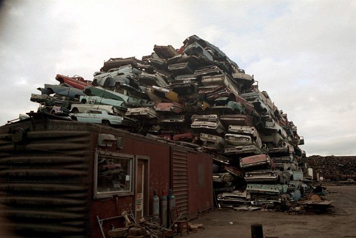 Los Angeles scrap yard 1972 - Cimetière de voitures (casse auto) à Los Angeles plein de voiture américaines 50s et début 60s 70501910