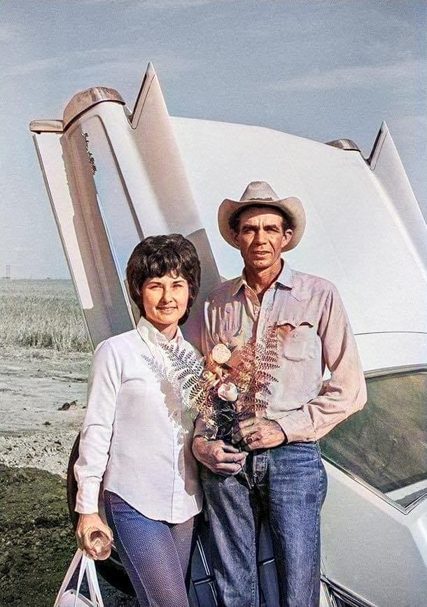 Cadillac Ranch 71348410