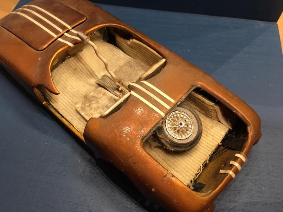 Vintage built automobile model kit survivor - Hot rod et Custom car maquettes montées anciennes - Page 14 71956210