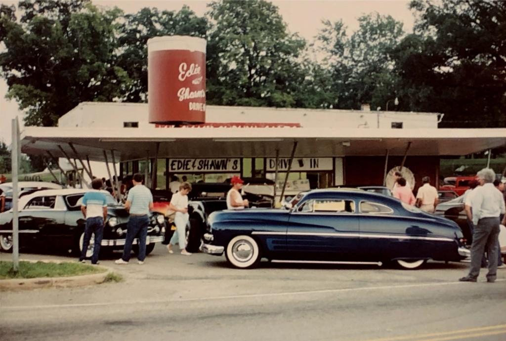 Mercury 1949 - 51  custom & mild custom galerie - Page 34 82902110