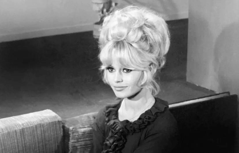 Brigitte Bardot 830x5310