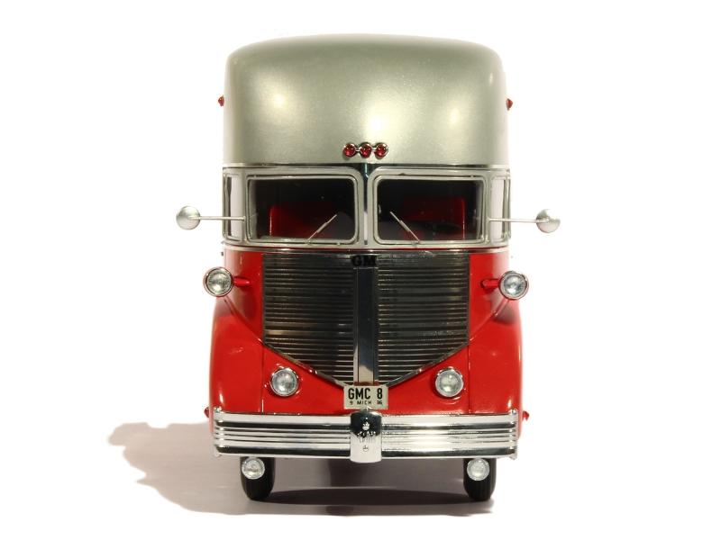 Auto Cult Concept car 1/43 scale 84216-10