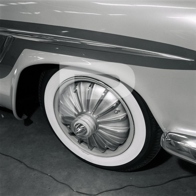 1947 Studebaker - Modern Grecian - Earl Wilson's - George Barris 84404310