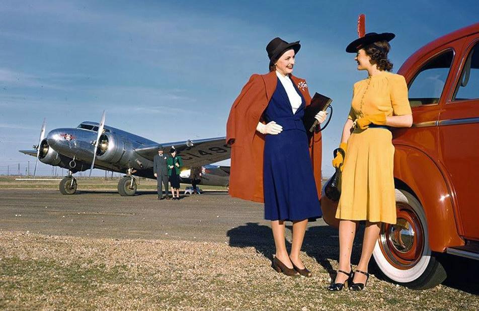 Avions 1950's, futuristes et vaisseaux spaciaux - Vintage Spaceships, Starships and futuristic planes.  - Page 2 84513510