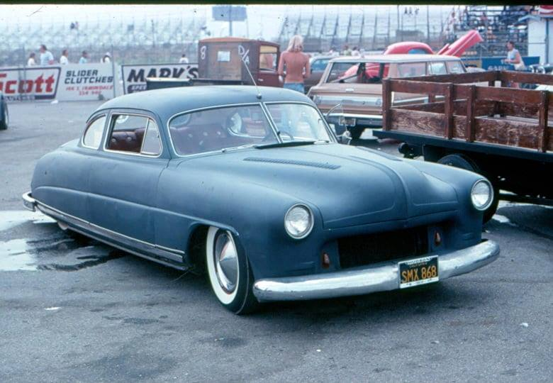 custom cars in the street - in situation ( vintage pics 1950's & 1960's)  - Page 6 85156610