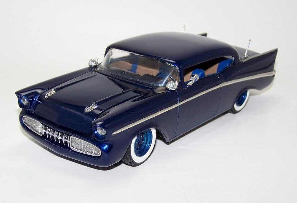 1957  Chevrolet - Customizing kit - trophie series -  amt - 1/25 scale 87472010