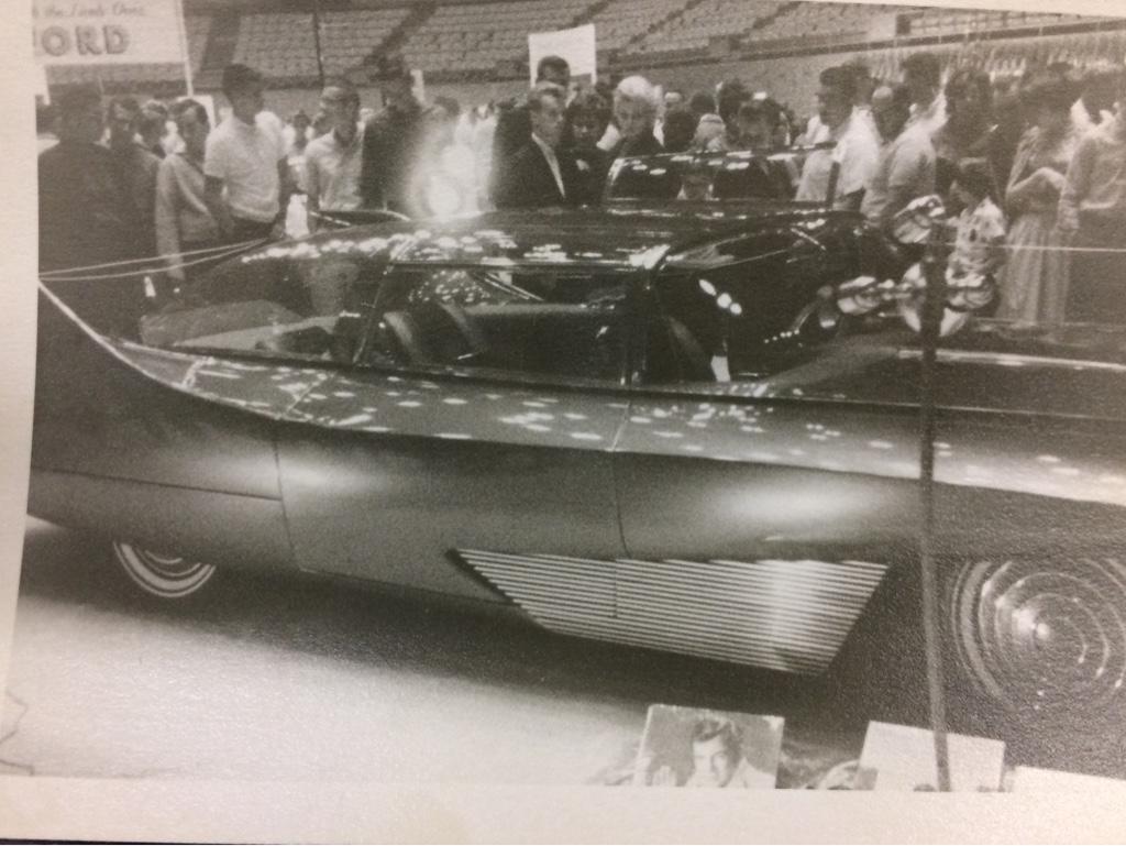 Vintage Car Show - Page 21 87d32a10