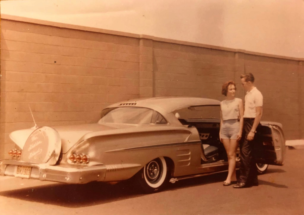 custom cars in the street - in situation ( vintage pics 1950's & 1960's)  - Page 6 91051110