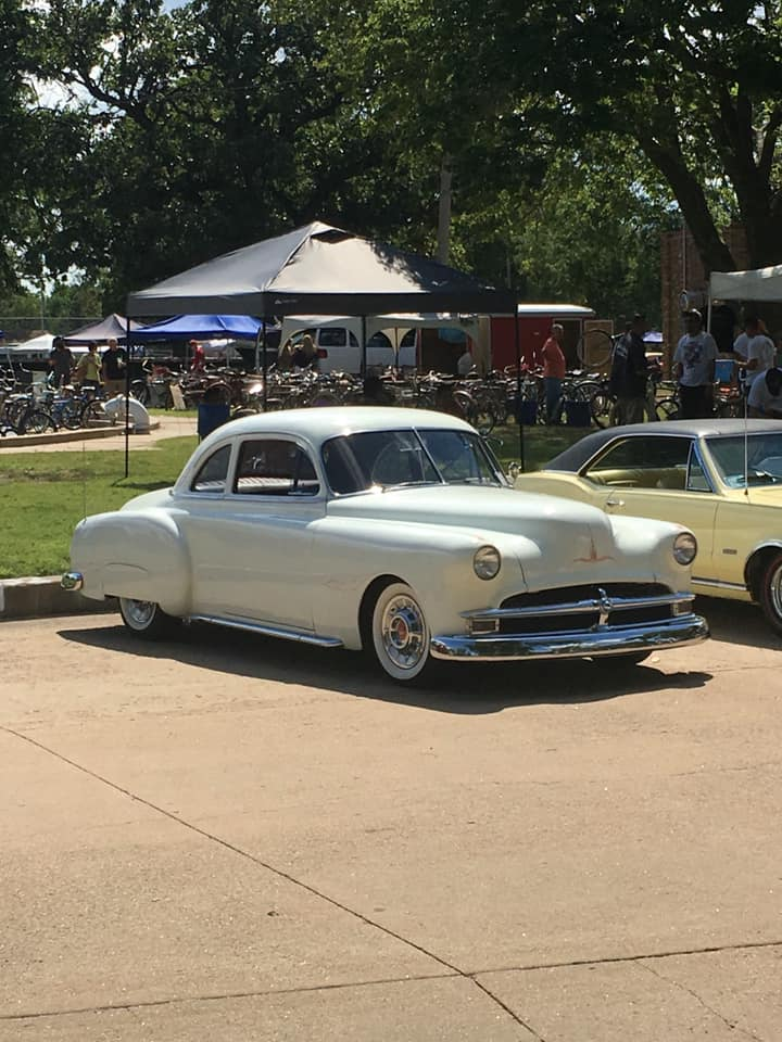 Pontiac 1949 - 54 custom & mild custom - Page 4 91179210