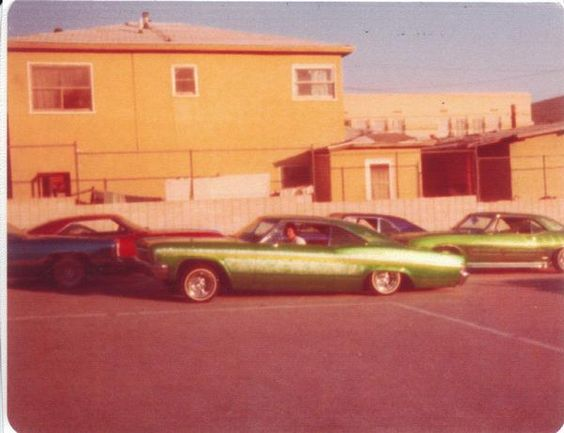 custom cars in the street - in situation ( vintage pics 1950's & 1960's)  - Page 6 91500211