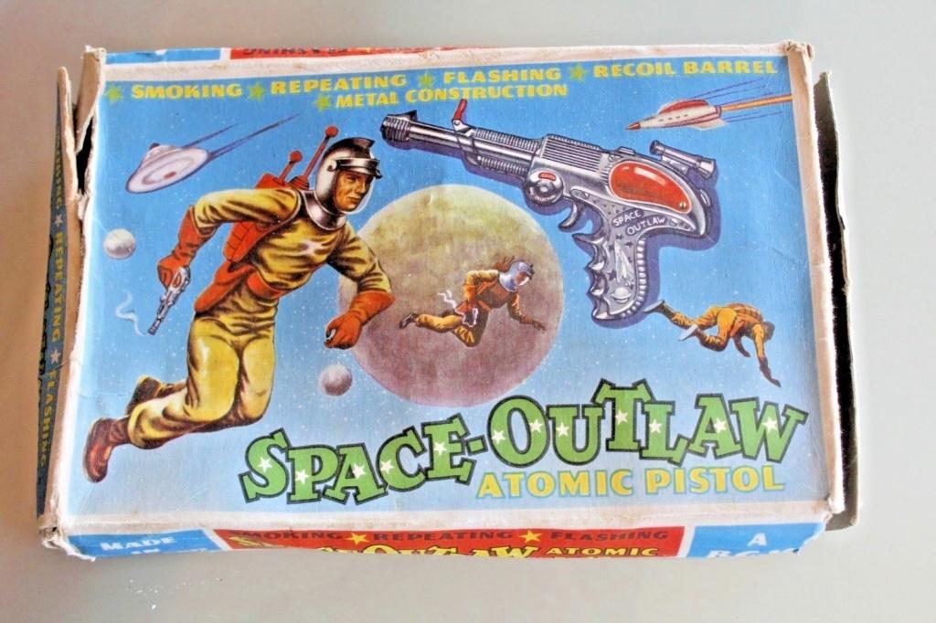 Atomic PISTOL SPACE-OUTLAW B.C.M 919