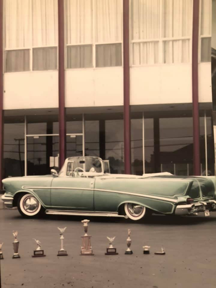 custom cars in the street - in situation ( vintage pics 1950's & 1960's)  - Page 6 92705710