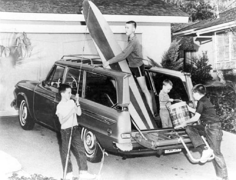 fifties & early sixties cars in situation - Vintage pics - Page 3 95357110