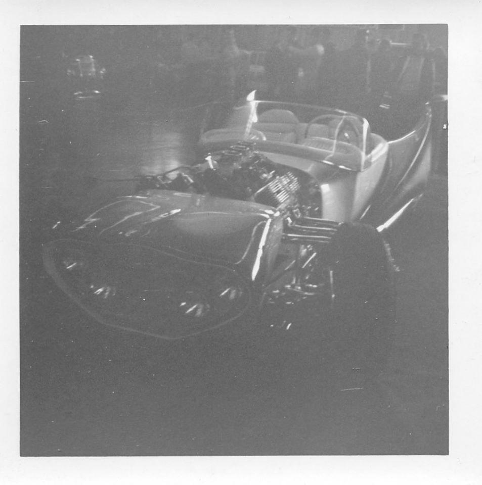 John Burnes, The Manta Ray - 32 Ford radical show rod Bat - Toronto, Ont. Car Craft, Jul 1963 95420010
