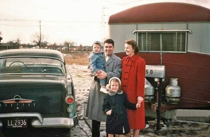 Vintage pics - Caravaning et retro camping - Vintage trailer & van 98551310