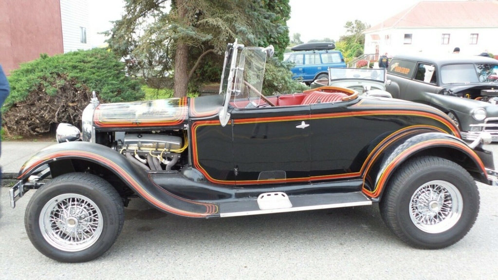 1929 Ford Model A Roadster - built in 1967, murals painted in 1976 - june 1976 rod action A111