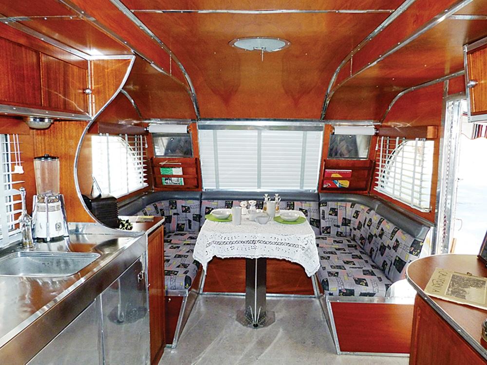 Aeroflite trailer Aerofl10