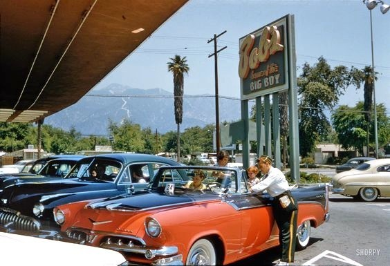 fifties & early sixties cars in situation - Vintage pics - Page 2 Bobu2010