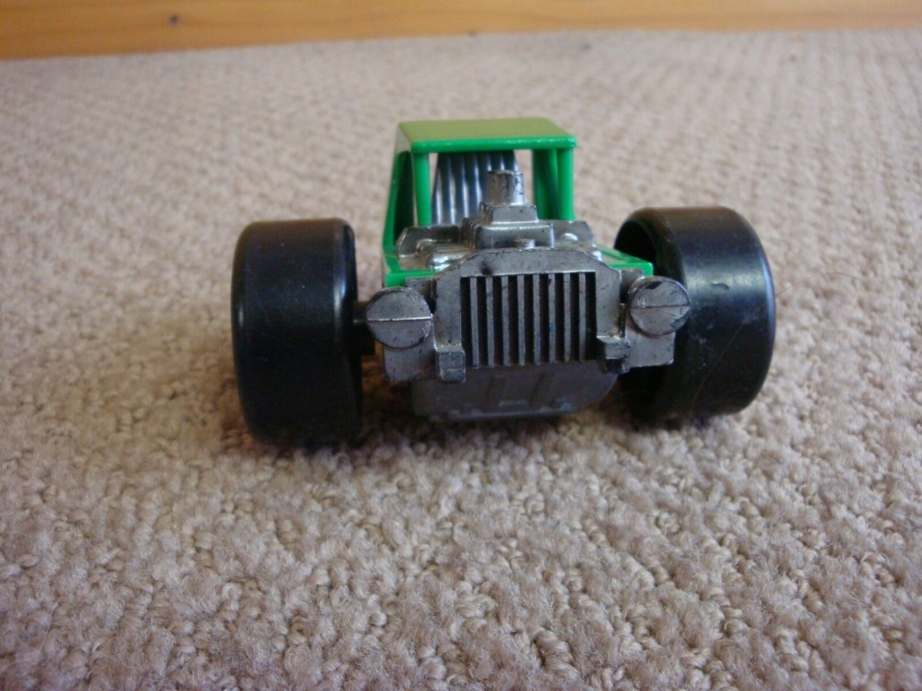 Structo Two Wheeled Green Hot Rod - plastic -  70s C410