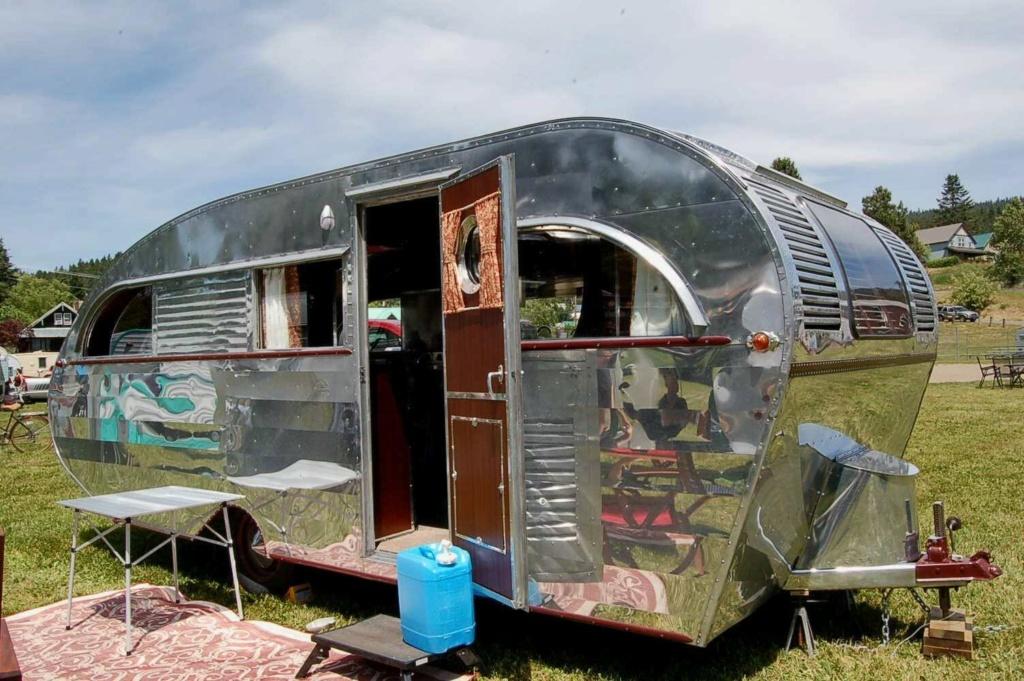 Aeroflite trailer C76b4110