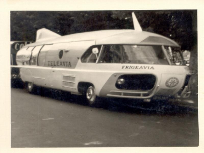 """Citroën Type 55 - Charbonneaux / LEFFONDRE"""" 1955/56 - Camion fusée frigeavia Teleavia - Cirque Pinder Camion10"""