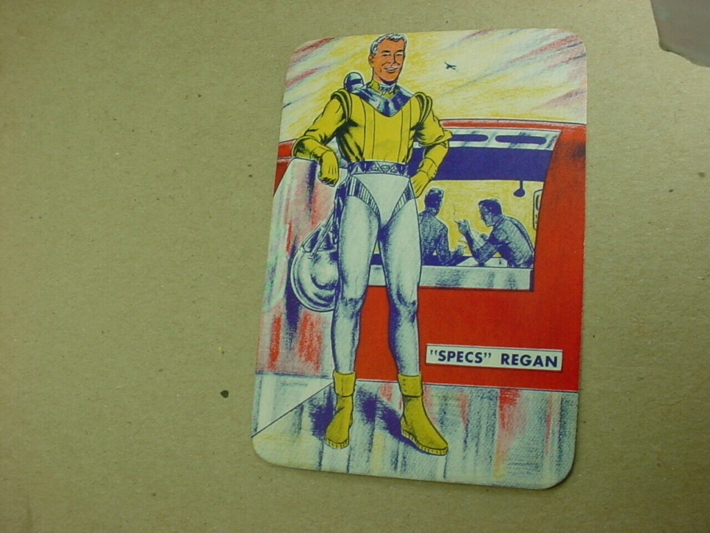 Sciences fiction, soucoupes volantes et extraterrestres - Sci Fi, Flying Saucers and Aliens Card10